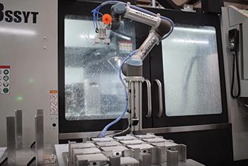 Cobot CNC machine tending
